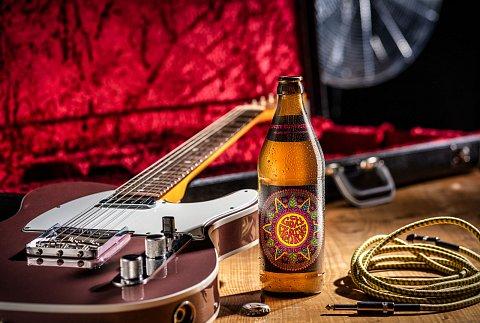 Fender-1-0.jpg